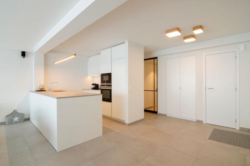 appartement-sint-idesbald-totaalrenovatie-mortier-interieur-renovatie-2