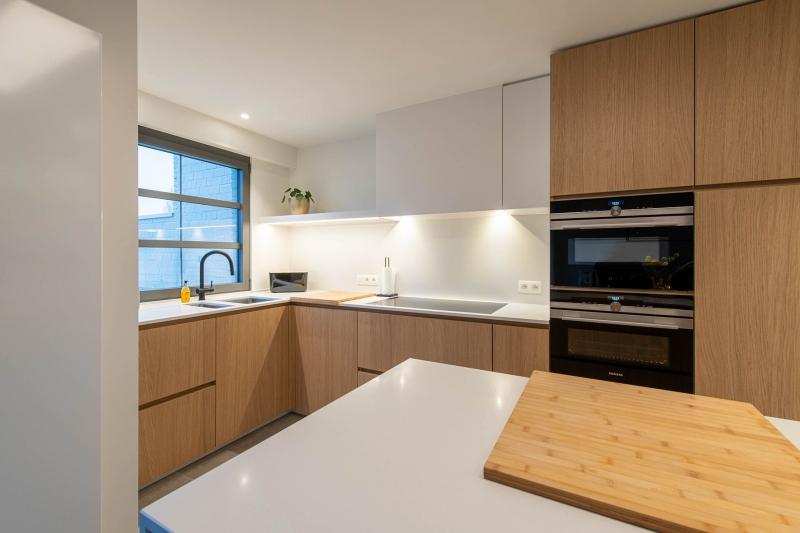 renovatie-keuken-inkom-mortier-renovatiewerken-maatwerk-tegels-schrijnwerk-39