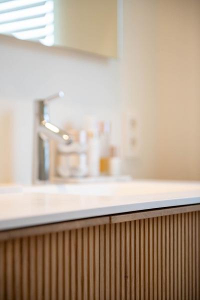 renovatie-woning-gelijkvloer-verdiep-maatwerk-keuken-kast-bureau-mortier-interieur-renovatie-44