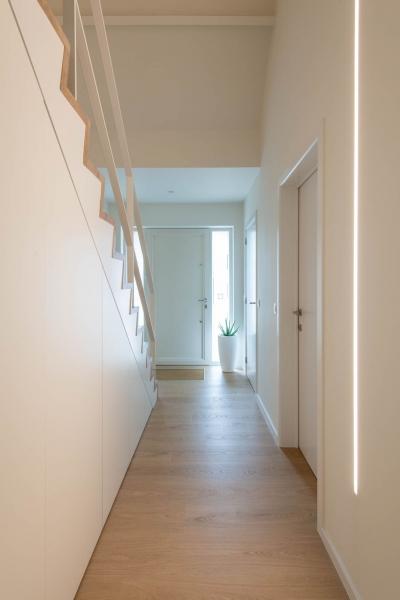 renovatie-woning-gelijkvloer-verdiep-maatwerk-keuken-kast-bureau-mortier-interieur-renovatie-21