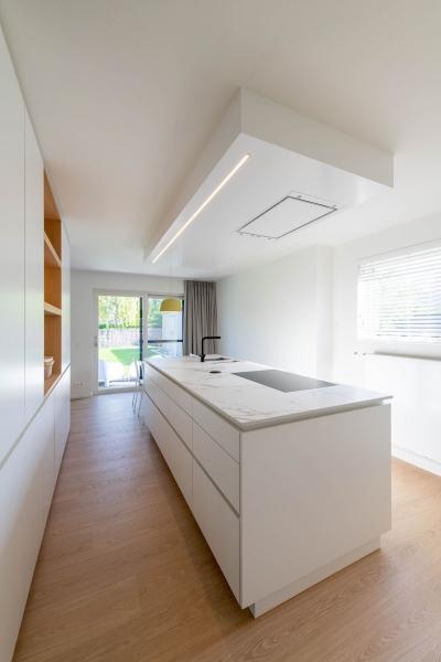 renovatie-woning-gelijkvloer-verdiep-maatwerk-keuken-kast-bureau-mortier-interieur-renovatie-16