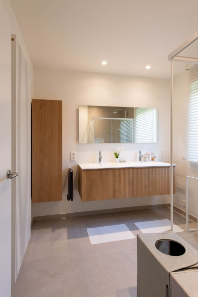 renovatie-woning-gelijkvloer-verdiep-maatwerk-keuken-kast-bureau-mortier-interieur-renovatie-36