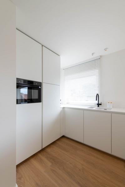 totaalrenovatie-appartement-oostduinkerke-tweedeverblijf-mortier-interieur-renovatie-5