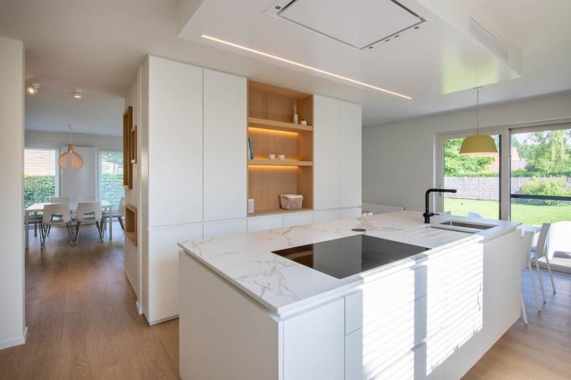 renovatie-woning-gelijkvloer-verdiep-maatwerk-keuken-kast-bureau-mortier-interieur-renovatie-12