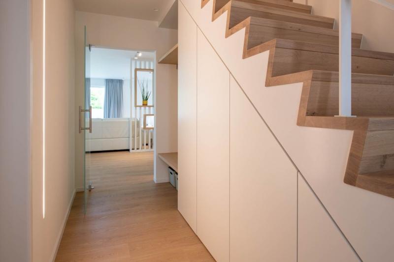 renovatie-woning-gelijkvloer-verdiep-maatwerk-keuken-kast-bureau-mortier-interieur-renovatie-27