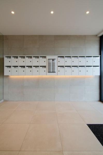 residentie-westdiep-oostduinkerke-renovatie-inkomhal-2