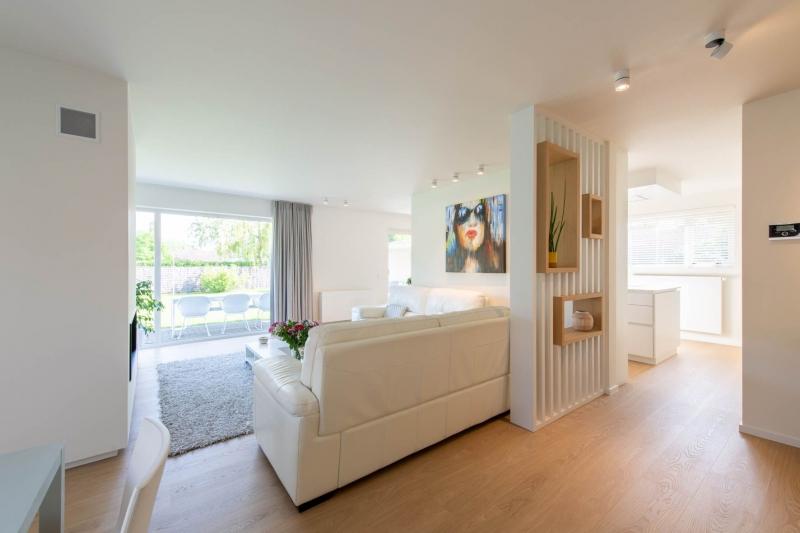 renovatie-woning-gelijkvloer-verdiep-maatwerk-keuken-kast-bureau-mortier-interieur-renovatie-94