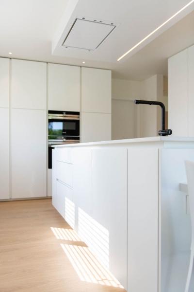 renovatie-woning-gelijkvloer-verdiep-maatwerk-keuken-kast-bureau-mortier-interieur-renovatie-71