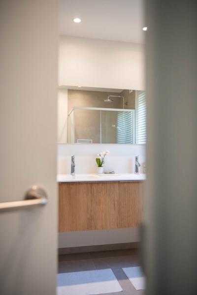 renovatie-woning-gelijkvloer-verdiep-maatwerk-keuken-kast-bureau-mortier-interieur-renovatie-46